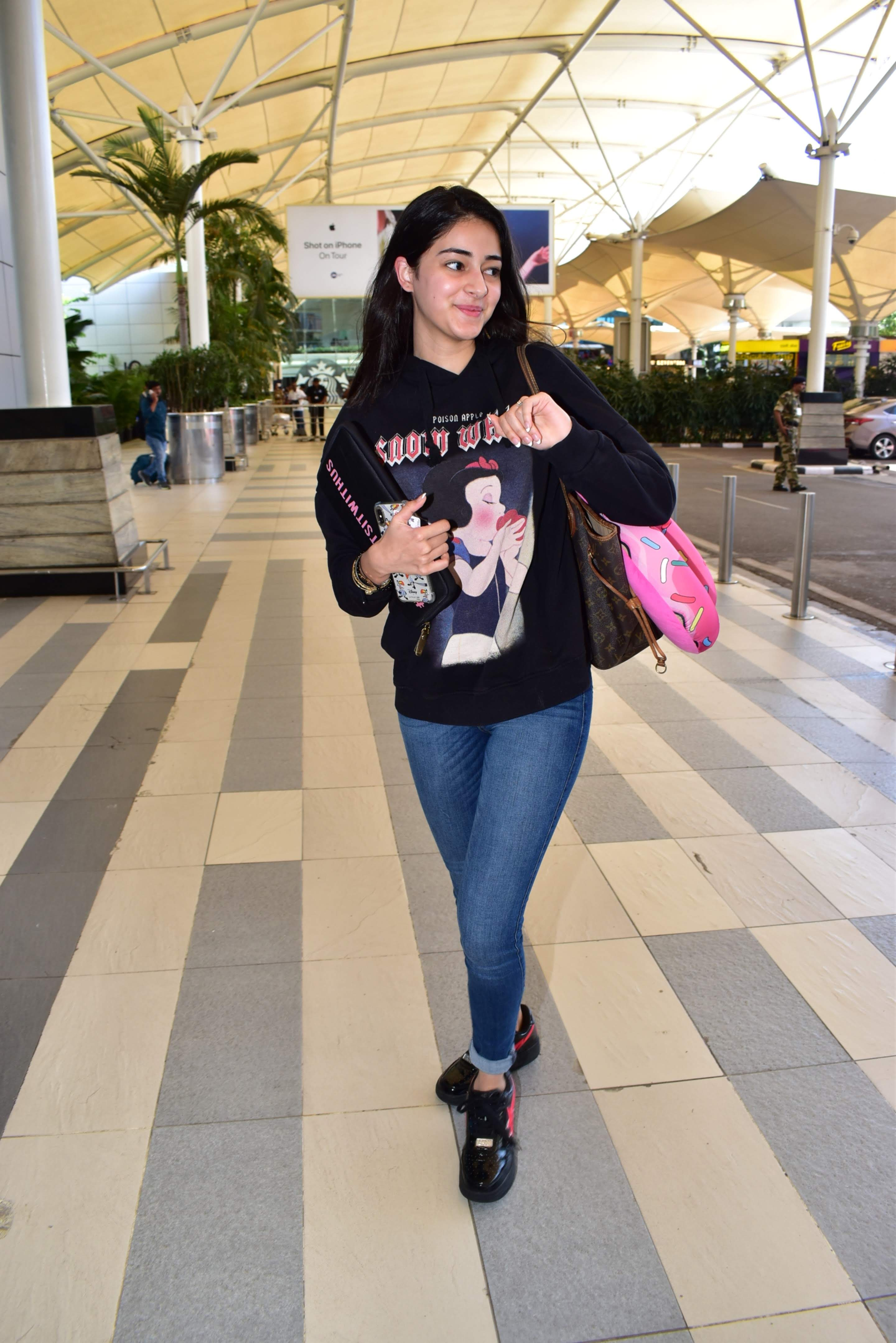 slip fashion5 ananya panday airport style clothes uncool
