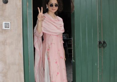Kangana Ranaut in a kurta suit shows how to colour your festive mood in pink; Yay or Nay?