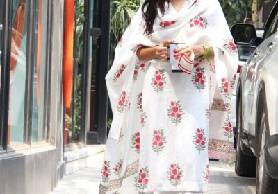 Sara Ali Khan in a printed kurta suit showed floral is the way to go this festive season; Yay or Nay?